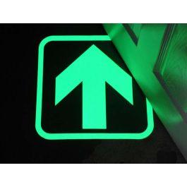 Selvlysende piler for å indikere utgangsveier